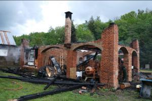 Studený máj, ve stodole místo ráje pořádný požár. Stalo se u Fulneku