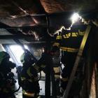 Požár podkroví způsobila nedbalost. Škoda je za statisíce korun