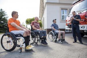 Hasiči přijeli za zraněnými kolegy do Rehabilitačního ústavu v Kladrubech