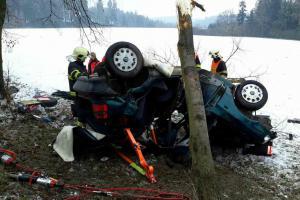 Černá sobota na Pardubicku. Nehodu nepřežil řidič, řidička měla větší štěstí