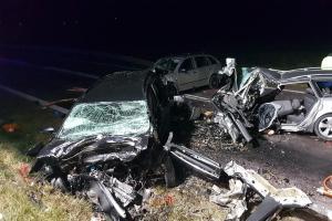 Večera se nedožil. Tragická havárie osobáku u obce Příštpo na Třebíčsku