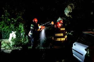 Jihomoravské hasiče zaměstnala noční bouřka a posádka člunu
