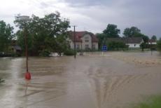 Bleskové záplavy zaměstnaly hasiče na Královéhradecku
