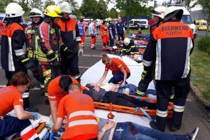 Tým hasičů WASAR zachránil cvičně stovku osob z polských jezer a řek