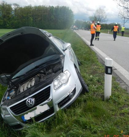 Nehoda čtyř aut u Čejkovic. Zranění čtyři dospělí a čtyři děti