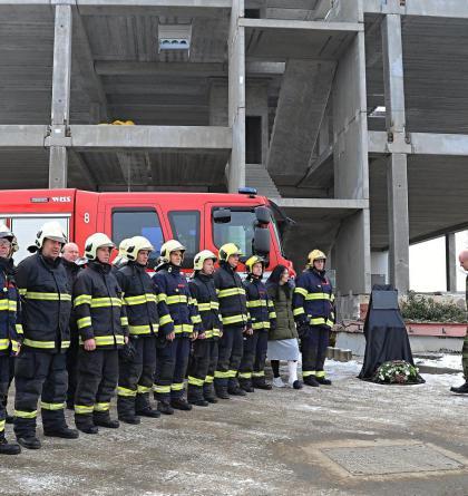Pražští hasiči uctili památku Jana Odermatta. Pochodovali do Zvole