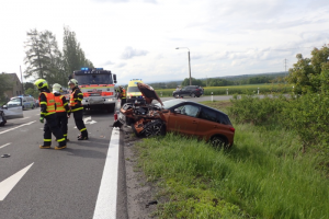 Hasiči na Opavsku zasahovali u nehody čtyř aut s pěti zraněnými