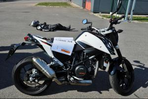 V Česku se začal testovat eCall v motocyklech. Začali s tím pražští hasiči