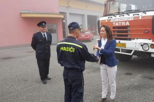 """Dobrovolní hasiči z Domašova nad Bystřicí budou jezdit """"novou"""" cisternou"""