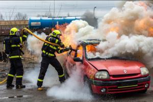 Hasiči trénovali hašení vozidel s alternativními pohony