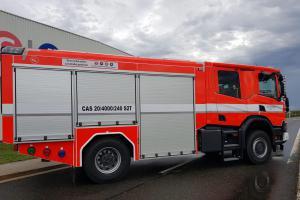Středočeští hasiči převzali od automobilky TPCA novou cisternu