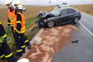 Tři auta v sobě a šest zraněných lidí. Stalo se u Dolní Řečice