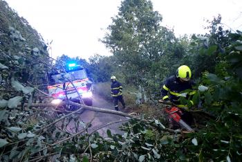 Moravskoslezsko: Už pět desítek výjezdů hasičů kvůli špatnému počasí