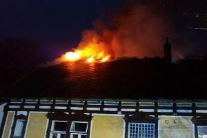 Požár střechy fary v Pusté Rybné. Zavinily to saze v komíně