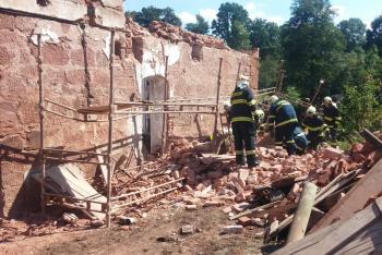 Zasypanou osobu v obci Bělá na Semilsku se podařilo vyprostit
