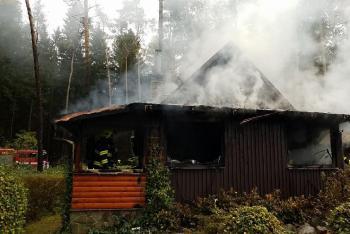 Manželé se chystali natrvalo žít v chatě, ta jim celá vyhořela