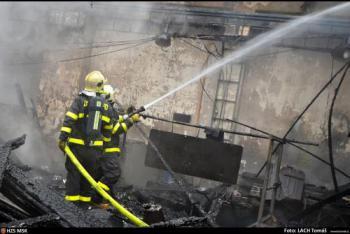 Ohnivý víkend v Jihlavě. Hořela tam hala společnosti na zpracování dřeva