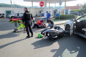 Zraněnému motorkáři pomohl bývalý hasič. Nezapomněl vůbec nic