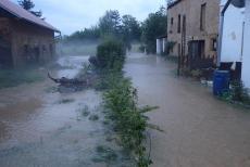 Hasiči: Někde sucho, na Tachovsku po bouřkách zase  vody moc