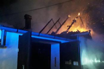 Požár stodoly v Dešově zaměstnal v úterý ráno čtyři jednotky hasičů