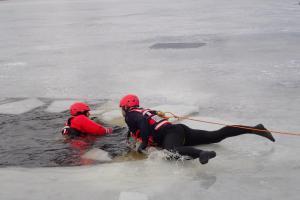 Hodně studená soutěž. Královéhradečtí hasiči jako nejlepší záchranáři