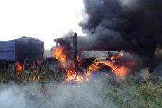 Další požár obilí a zemědělské techniky. Škoda je téměř milion korun