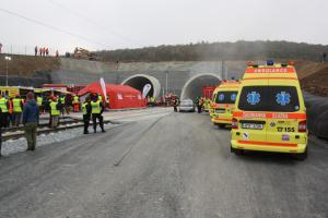 Vlakové neštěstí v tunelu Ejpovice. Desítky zraněných, byly i oběti na životech