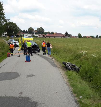 Víkendové nehody na jihu Čech. Je jich zase o dost víc a zahynul motorkář