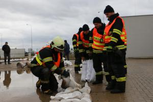 Jarní tání na Olomoucku opět prověřovalo hasiče i vodní koryta (VIDEO)