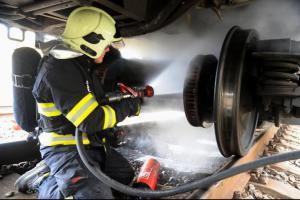 První požár v souvislosti s topnou sezónou. Hořel železniční vagon