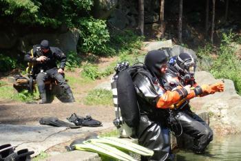Královéhradečtí a polští hasiči - potápěči absolvovali společný výcvik