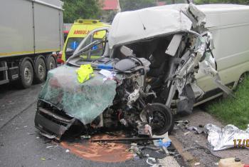 Vážná dopravní nehoda uzavřela silnici u obce Spy na více než dvě hodiny