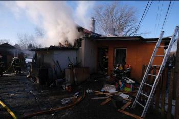 Ranní požár finského dvojdomku v Horní Suché na Karvinsku