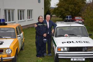 Ministr Milan Chovanec navštívil hasiče ve Vlašimi. Debatoval přímo srdečně