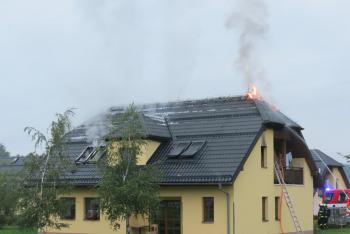 Požár v obci Pržno na Frýdeckomístecku zranil pět lidí