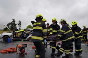 Hasiči procvičovali zásah u vážné hromadné dopravní nehody