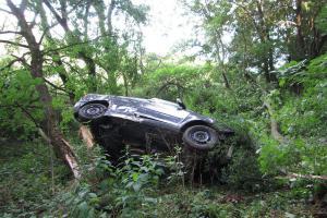 Auto u Rohatců havarované v příkopu, čtyři zranění lidé